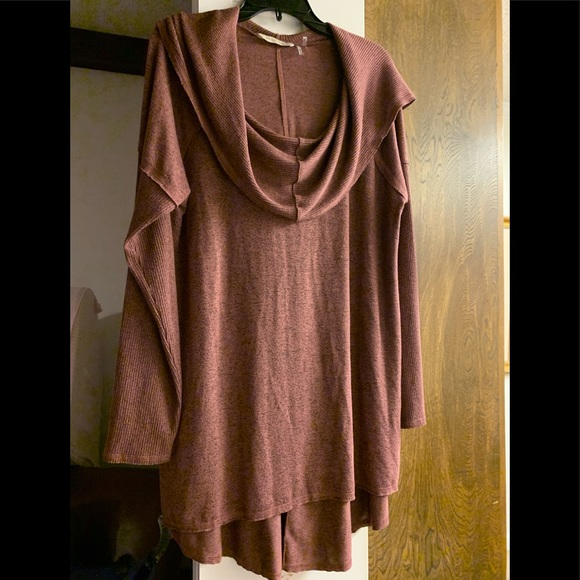 Soft Surroundings Tops - Cowl neck tunic